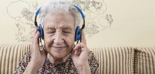 , جولی گیبسون در ۱۰۶ سالگی از دنیا رفت, اخبار هنری, اخبار هنری